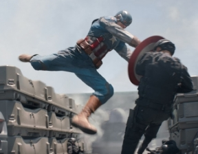 Captain-America-2-Classic-Costume-Fight