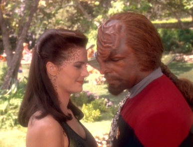 worf-jadzia-jadzia-and-worf-15305507-692-530